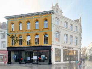 Exclusief duplex appartement met mooi TERRAS gelegen op een van de mooiste plaatsjes van stad Brugge. Prachtig zicht op de grote markt! Recentelijk ge
