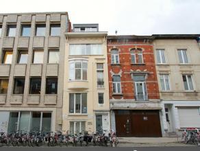 Opbrengsteigendom aan het St. Pietersstation te Gent. Opbrengsteigendom op super locatie: aan het Sint-Pietersstation te Gent ! Op fietsafstand van ce