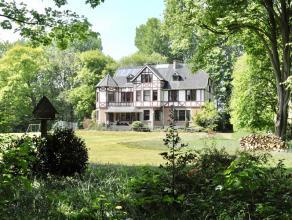 Uitzonderlijk landhuis nabij Gent.Dit unieke vastgoed bevindt zich in een oase van groen aan de zuidkant van Gent. Dit Landhuis, daterend uit begin 20
