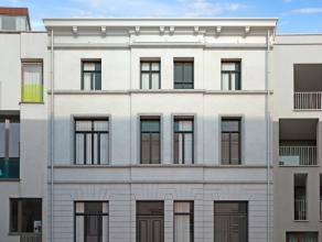 Uniek investeringsproject te koop te Gent, nabij Portus Ganda.Een 19de eeuwse herenwoning (1898) te Gent en bestaande uit 5 appartementen, waaronder 1