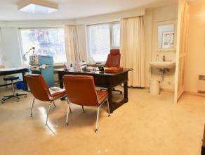 Zeer goed gelegen kantoorruimte.Zeer goed gelegen kantoorruimte/praktijkruimte te koop te Gent, aan het Citadelpark, nabij het St. Pietersstation, cen