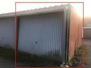 Garagebox te koopGaragebox te koop te Gent. Nieuw geïsoleerd dak en er wordt nog een nieuwe sectionale poort voorzien. Binnenafm.: +- 2,7m x 5m V