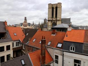 Nieuwbouw dakappartement te huur te Gent. In historische stadscentrum: nabij de Korenmarkt, aan de St. Michielshelling, de Poel, nabij de Kraanlei, Ve