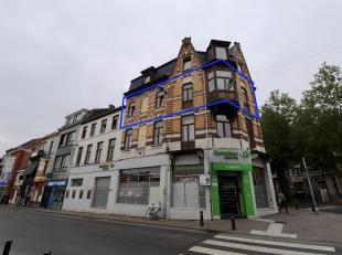 Appartement met 1 slaapkamer te huur in centrum Gent met zicht op het Kramers- en Sint-Pietersplein. Dit ruim appartement met open zicht is gelegen op