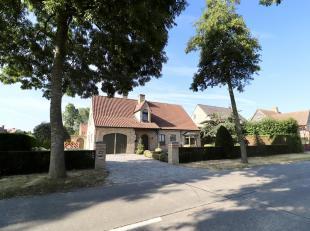 Villa in landelijke gemeente te koop op slechts 15 min van Knokke-Heist. Deze alleenstaande woning is gelegen in Middelburg, een klein landelijk dorpj