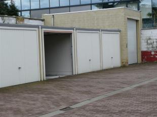 4 bovengrondse garages te koop op centrale locatie in Gent. Deze 4 garages zijn in goede staat en dateren van 2008. Alle garages zijn uitgerust met ee