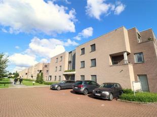 Te huur te Eke: Perfect gelegen appartement nabij het centrum van Eke met een goede verbinding naar de autosnelwegen, N60, Gent centrum,.<br /> Ruim g