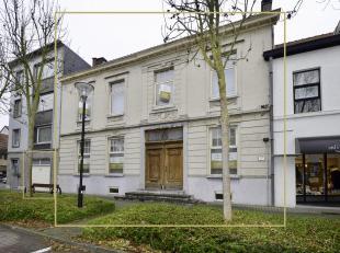 TE KOOP : Unieke herenwoning te koop te Oudenaarde. Dit prachtige gebouw met een stuk geschiedenis als Brouwershuis De Graeve , telt 2 ruime verdiepin