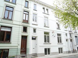 Opbrengsteigendom gelegen in een rustige straat nabij Ekkergem kerk met 4 studentenstudios.<br /> Deze prachtige eigendom werd zopas volledig gerenove