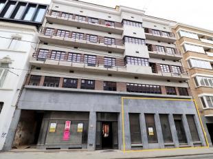 TE HUUR : Mooie commerciële ruimte te huur in Gent.<br /> De goede locatie staat garant voor een vlotte verbinding in en uit het centrum en er ka