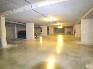 Ondergrondse autostandplaatsen te koop in hartje Gent, in nieuwbouwresidentie. Gelegen op centrale topligging: aan de Korenmarkt, de Poel, Kraanlei, V