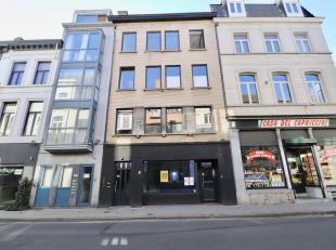 TE KOOP IN GENT : Commerciële handelsruimte te koop in Gent. Deze mooie handelsruimte is gelegen op het gelijkvloers en is zeer centraal en comme