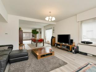 Te Koop : Mooie ruime woning te koop met 3 slaapkamers, tuin en garage te Sint-Martens-Latem. Deze woning bevat ook een grote lichtrjjke living en ope