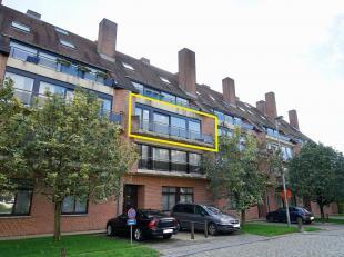 Ruim appartement met 2 ruime slaapkamers te huur gelegen in de rustige residentie Westrehem.<br /> U komt het appartement binnen in een ruime inkomhal