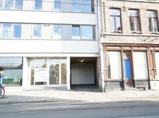 Ondergrondse autostandplaats te koop in hartje Gent, zeer centraal gelegen.<br /> De te koop aangeboden staanplaats is ideaal als investering !<br />
