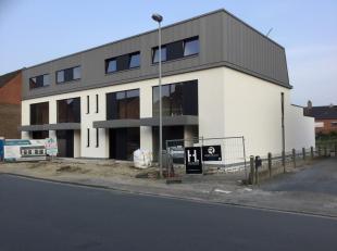 Duplex appartement met 3 slaapkamers en een bewoonbare opp. van ±140m².<br /> Voorzien van 2 garages