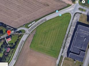 Een mooi perceel van 6993 m2 te koop te Vilvoorde, gelegen aan de hoek van Houtemsesteenweg en de Rollewagenstraat. Kadastraal ook gekend als 'De Elst