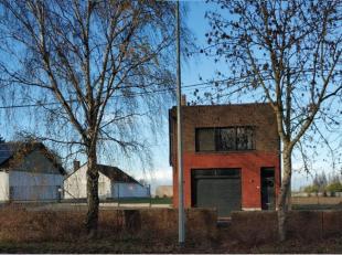 Une maison facilement accessible proche de la N58 mais toujours dans une zone rurale avec une vue magnifique. La propriété a actuellemen
