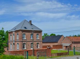 Deze prachtige eigendom is gelegen te Rebecq,  gemeente in de provincie Waals-Brabant en niet ver van onze hoofdstad Brussel. Het is goed gelegen en m