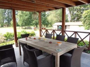 Volledig gerenoveerde woning met paardenstallen, weiland en verwarmd zwembad met goede bereikbaarheid via de E19 en E34.<br /> Indeling woning<br /> I
