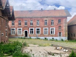 Unieke eigendom gelegen te Appelterre, deelgemeente van Ninove dat zich ten westen van de provincie Oost-Vlaanderen bevindt.  De eigendom is bereikbaa