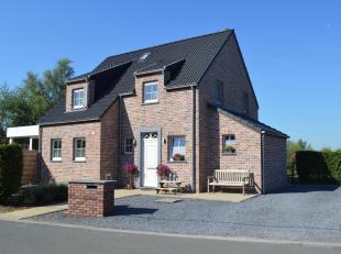 Deze eigendom is gelegen te Assenede, gemeente in het Oost-Vlaamse Meetjesland en bevindt zich net op de grens met Nederland. De woning is heel landel