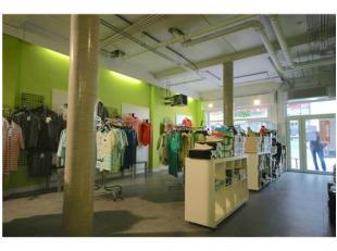 Stadskern Nieuwbouw-winkelruimte (160m²) nabij de Grote Markt!Tussen de Grote Markt en de Kerkstraat vindt u deze prachtige winkelruimte in &eacu