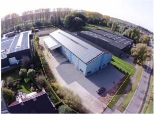 INDELING:Magazijn (Afmetingen : 30m x 20m; 600m² en 20m x 20m; 400m²) met geïntegreerd kantoor (Afmetingen : 7,5m x 20m; 150m²), b