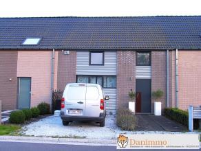 Deze woning beschikt over een heel aantal toppers: E-peil van 58, vloerverwarming, DRIEdubbel glas, verwarming via een warmtepomp, volledig uitgeruste