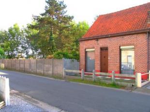 Deze woning is volledig te renoveren of af te breken. Woning op een mooi zuidgericht perceel grond van 810 m²!. Biedt tal van mogelijkheden.<br /