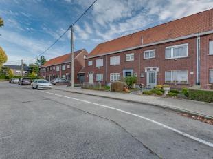 Leuke en nette woning op interessante locatie tussen Kortrijk en Harelbeke mét tuin én garage (mogelijkheid tot 2 zelfs) !<br /> <br />