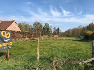 Deze bouwgrond is gelegen op een TOP-locatie!<br /> De grond is gelegen in een uitermate rustige straat in de nabijheid van het Provinciale domein van