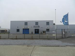 Deze industriehal is gelegen op het industrieterrein Overhaem in Tongeren. Een uitstekende locatie voor een bedrijf! Tot op een maand geleden was deze