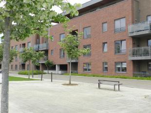 Dit recent gelijkvloers appartement is gelegen in Park Ekkelgarden, op fietsafstand va het centrum van Hasselt! Het openbaar vervoer, winkels, scholen