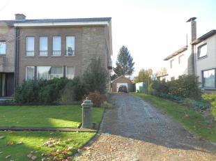 De woning is gelegen in de (kindvriendelijke/groene) Hollands veld wijk op een boogscheut van het centrum van Hasselt. Scholen, kinderopvang, ontspann