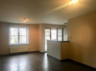 Dit appartement gelegen aan de Zakkaai ligt in het centrum van Geraardsbergen.<br /> <br /> Perfekt onderhouden en instapklaar.<br /> <br /> INDELING: