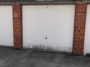 OPTION OPTION OPTION Garage en très bon état de 5m70 de long et 2m80 de large (hauteur: 2m10)