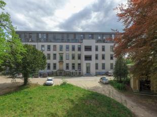 Dans un cadre verdoyant, nous vous proposons ce magnifique Duplex. Situé au 3ème étage à l'arrière gauche, ce duple