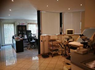Nous avons le plaisir de vous présenter, ce bureau de 50 m² situé dans Wolkrange.Anciennement un cabinet de consultation gyn&eacute