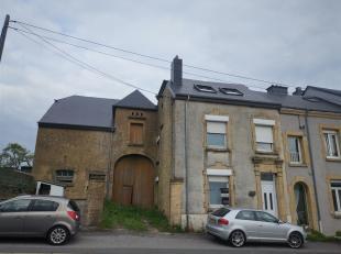 Nous avons le plaisir de vous présenter cette maison avec un jardin de 11 ares, située au coeur du village d'Etalle.A proximité d