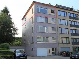 Instapklaar appartement met twee slaapkamers.In een halfopen bebouwing bevindt zich dit trendy appartement op een rustige ligging nabij kasteel Cantec