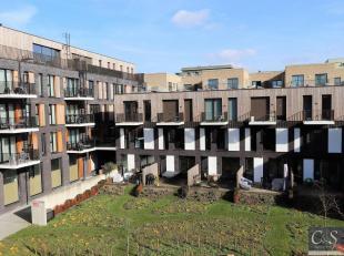 Het trendy appartement van ca 81 m² bevindt zich op de tweede verdieping van de knappe residentie Cadix factory. Deze nieuwbouwrealisatie in het