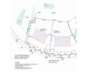 2 MOOIE BOUWGRONDEN voor open bebouwing<br /> * LOT 1: groot 16 a 78ca, straatbr. 41,01 m.<br /> * LOT 2: groot 18 a 56 ca, straatbr. 50,37 m.<br /> W