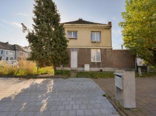 Goed gelegen halfopen bebouwing<br /> Opp 298,10 m², KI 257 EUR, kelder, glvl: hal, living, keuken, badk, veranda, terras, tuin, verd: 2 slaapk,