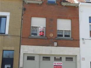 WOONHUIS<br /> Een bel-etage met o.a. grote garage, werkplaats (atelier), keuken, living, ruim zonnig terras, 2 slaapkamers, 2 bdkrs, kelder.<br /> KI