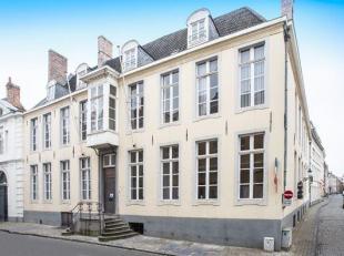 Gegevens openbare verkoping:<br />  <br /> Zitdag toewijs<br /> Op dinsdag 19/06/2018 om 17u30<br /> In de Conferentiezaal van het Stadhuis, Burg 12<b