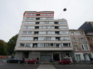 Gent - (hoek Fortlaan): zeer ruim penthouse (220 m2), lichtrijk, rustig, met zicht op groen, recent gerenoveerd, 4 slaapkamers; incl. nabijgelegen gar