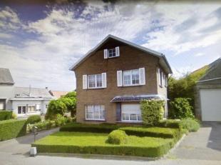 INSTAPKLARE WONING<br /> Ruime, instapklare woning met 4 slaapkamers, garage en tuin. Deze woning bevat op het gelijkvloers: een inkomhall, bureau, gr