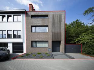 HASSELT  Oude Kuringerbaan 111, Hasselt   Zeer ruime woning binnen de grote ring met autostandplaatsen!<br /> Bent u op zoek naar een ruime, centraal