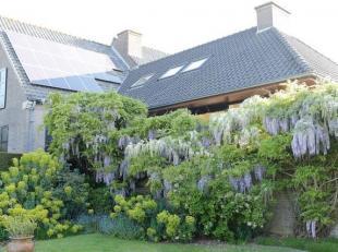 """PRACHTIG LANDHUIS<br /> Prachtig landhuis midden in een schitterend aangelegde tuin (34 are grond), gelegen langs de zuidkant van """"Hooglede Berg"""", gre"""
